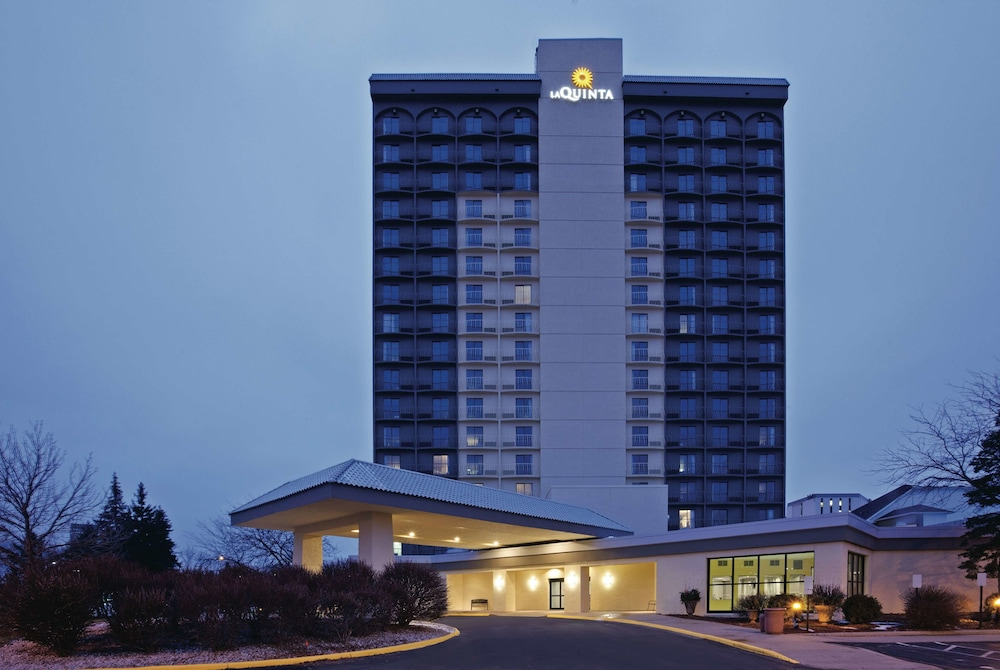 Exterior, La Quinta Inn & Suites by Wyndham Minneapolis Bloomington W