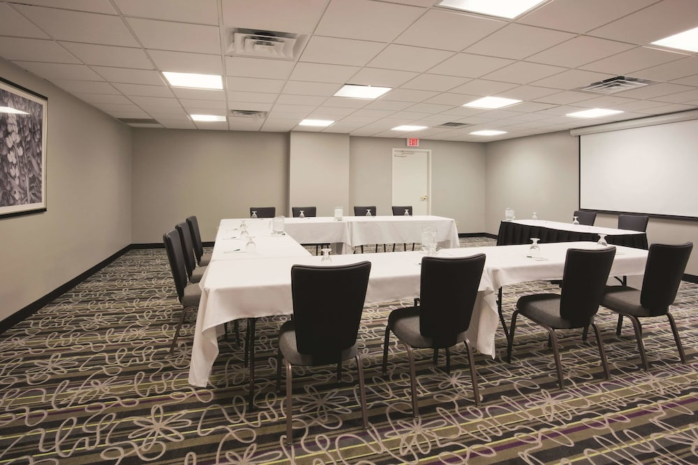 Meeting Facility, La Quinta Inn & Suites by Wyndham Minneapolis Bloomington W