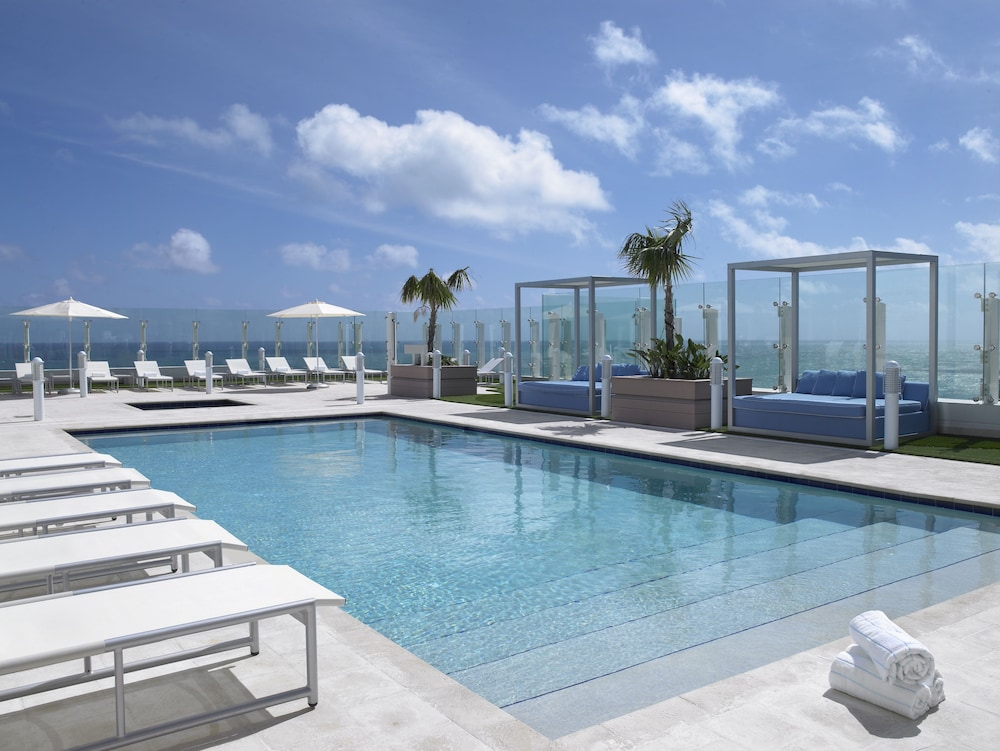 Outdoor Pool, Grand Beach Hotel Surfside