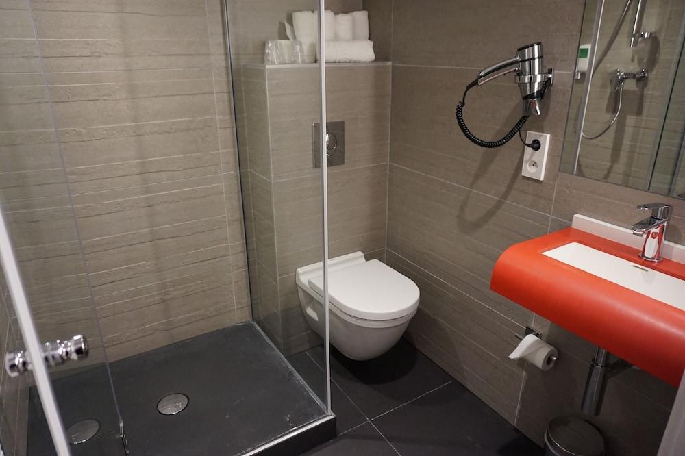 book citotel pax strasbourg hotel deals. Black Bedroom Furniture Sets. Home Design Ideas