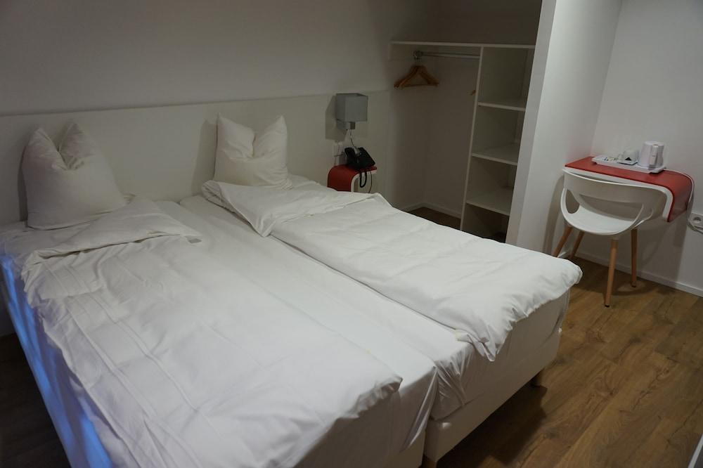 citotel pax deals reviews strasbourg fra wotif. Black Bedroom Furniture Sets. Home Design Ideas
