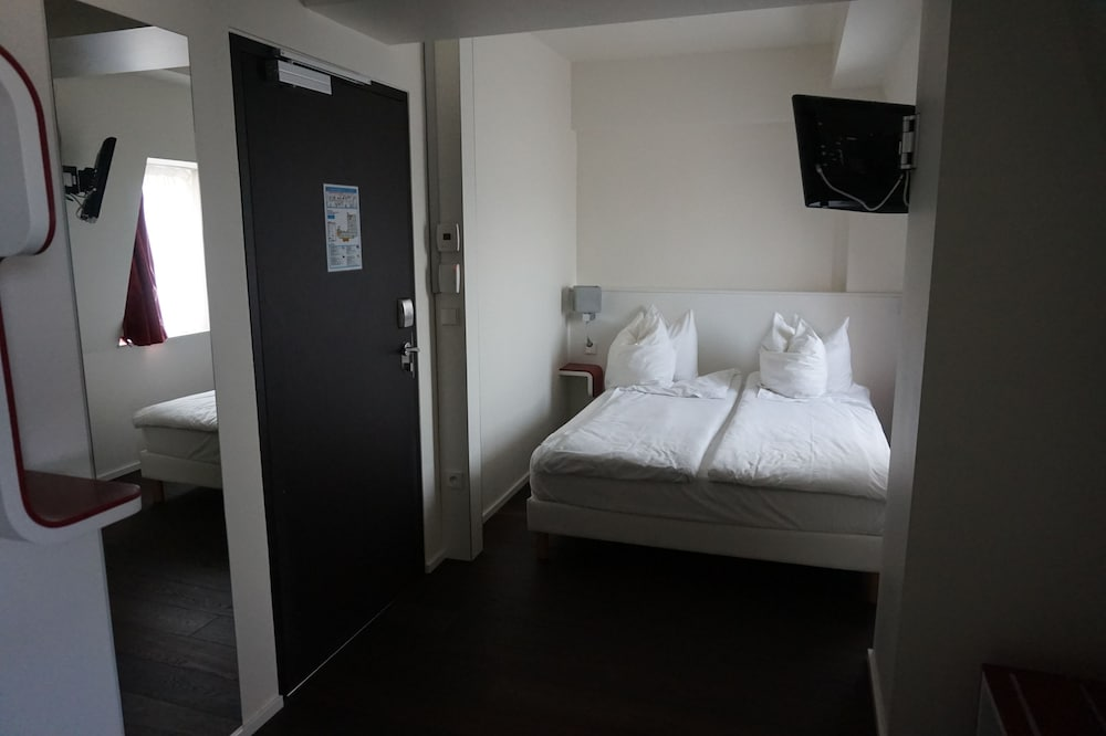 citotel pax deals reviews strasbourg fra wotif. Black Bedroom Furniture Sets. Home Design Ideas
