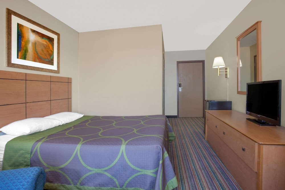 Room, Super 8 by Wyndham Evansville East