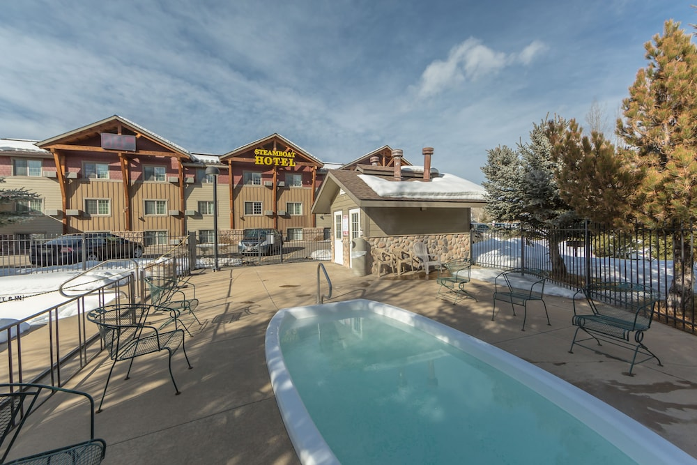 Outdoor Pool, Steamboat Hotel