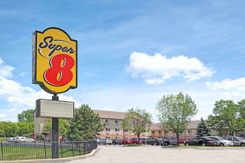 Super 8 by Wyndham Chicago O'Hare Airport