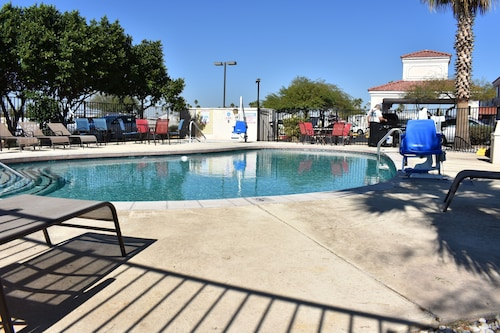Motel 6 Apache Junction, AZ