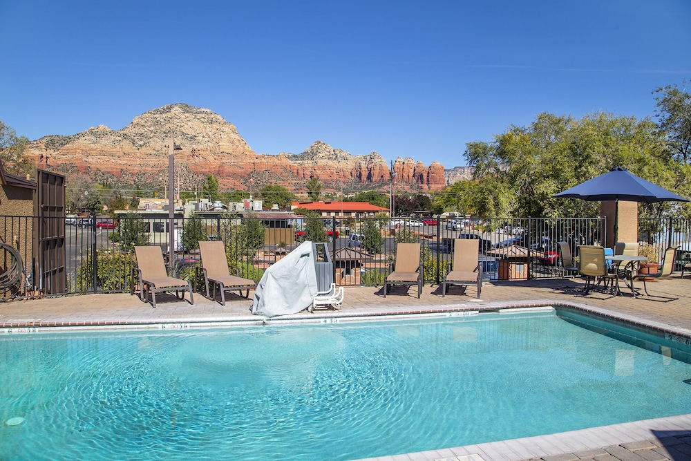 Outdoor Pool, Andante Inn of Sedona