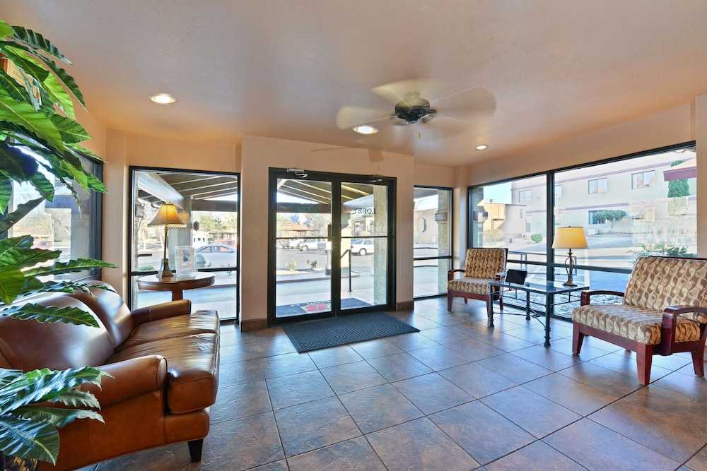 Mountain View Featured Image Interior Entrance