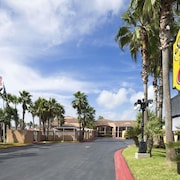 Super 8 by Wyndham South Padre Island