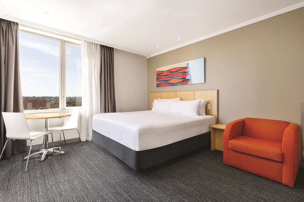 Room, Travelodge Hotel Bankstown Sydney