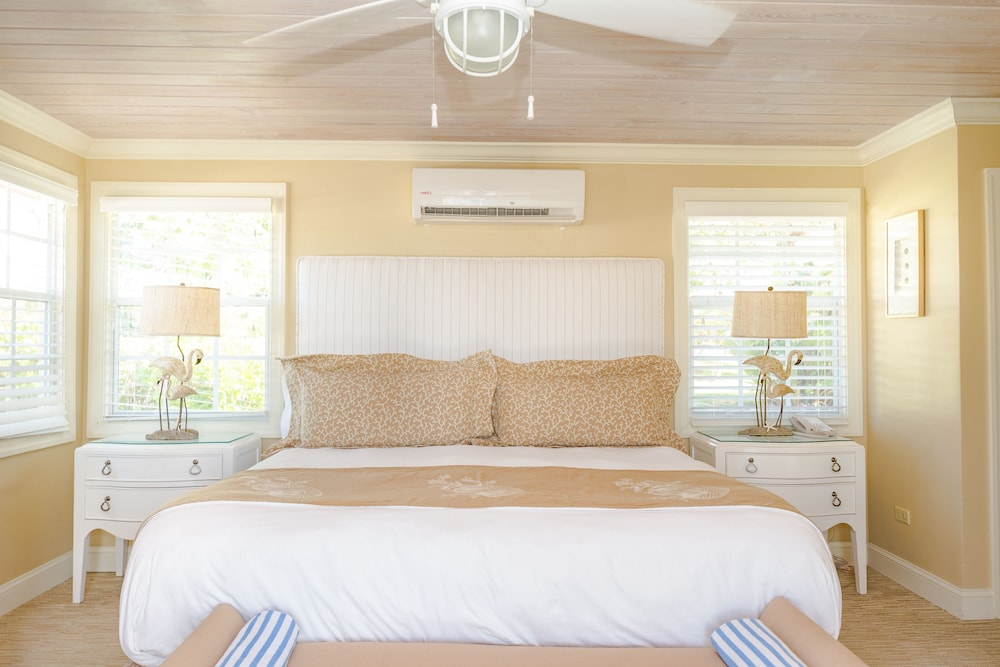 Room, Romora Bay Resort & Marina