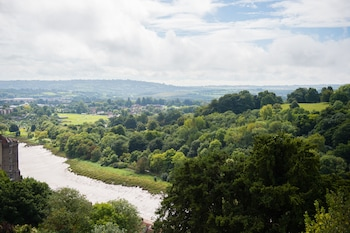 Sion Hill, Bristol, BS8 4LD, England.