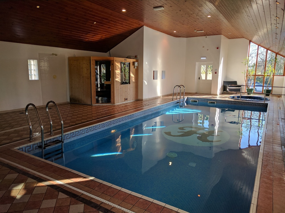 Windermere hydro hotel reviews photos rates for Hotels in windermere with swimming pools