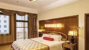 In-room safe, iron/ironing board, WiFi, alarm clocks