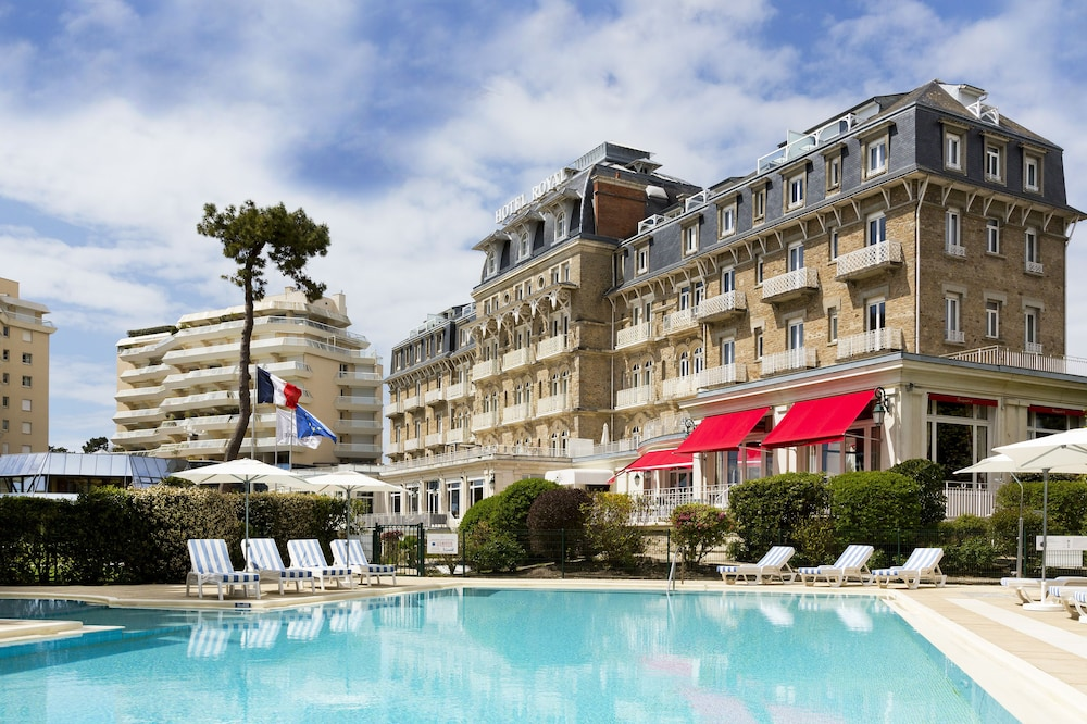 H tel barri re le royal la baule in la baule escoublac for Hotels la baule