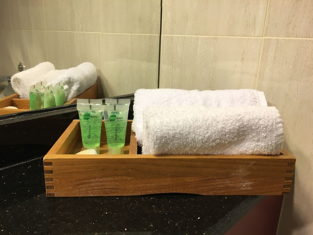 Bathroom Amenities, Albury Manor House