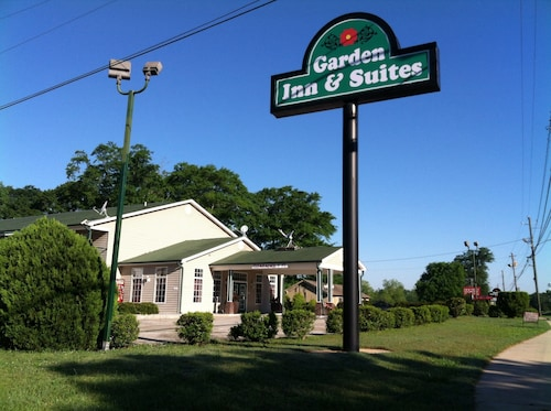 Budgetel Inn & Suites Pine Mountain