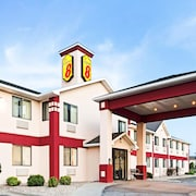 Super 8 by Wyndham Omaha Eppley Airport/Carter Lake