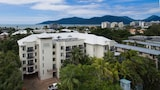Tropic Towers Apartments - Cairns North Hotels