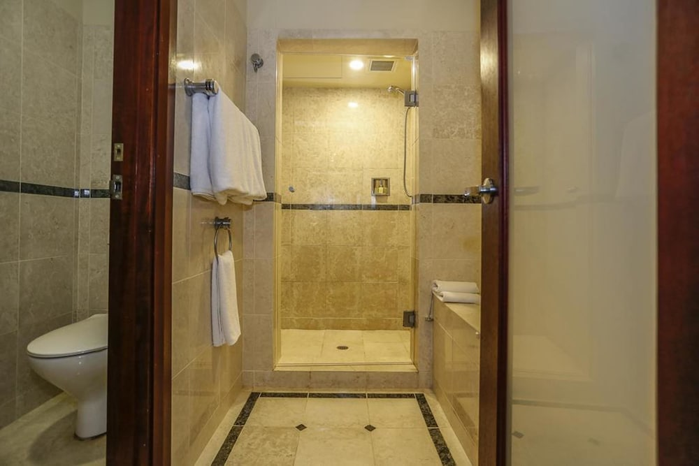 Joondalup resort in perth hotel rates reviews on orbitz for Bathrooms joondalup