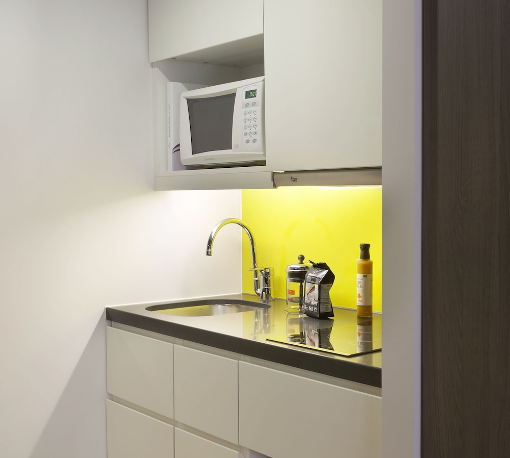 Shared Kitchen, Citadines Trafalgar Square London