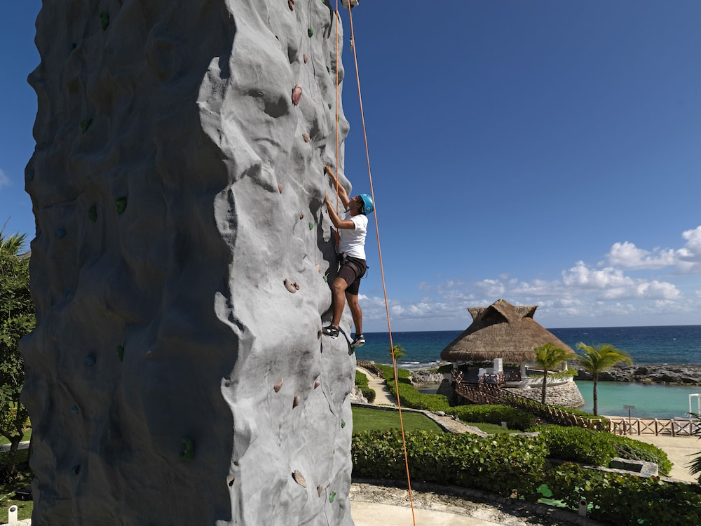 Outdoor Rock Climbing, Hard Rock Hotel Riviera Maya - All Inclusive