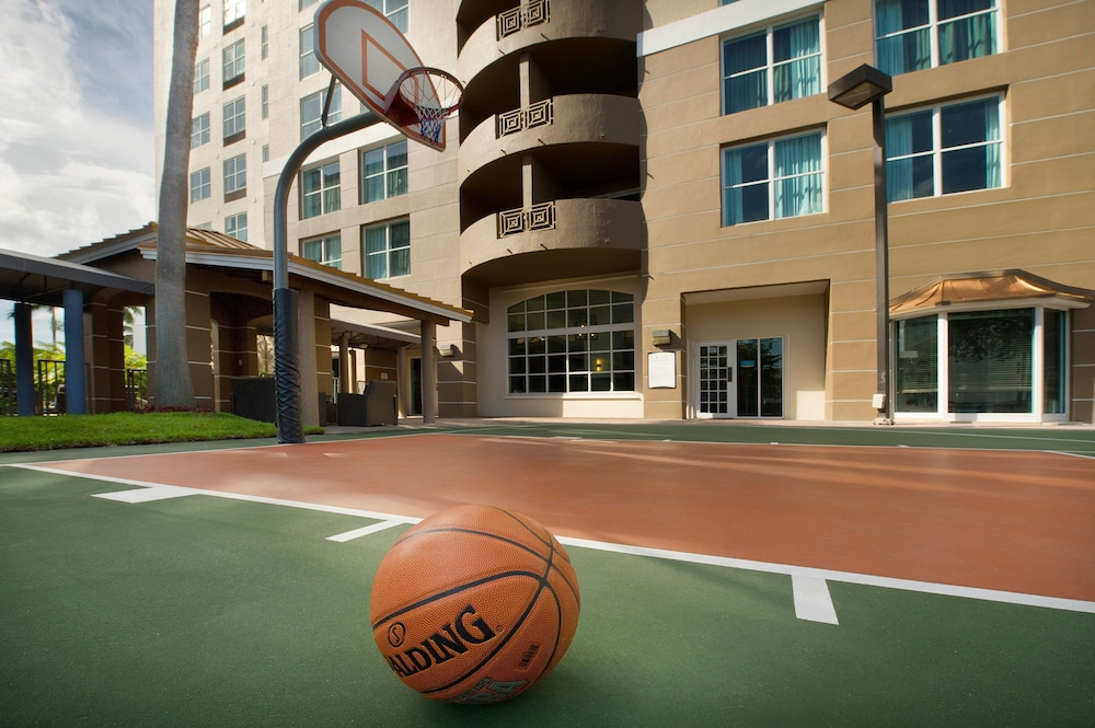 Basketball Court, Staybridge Suites Miami Doral Area