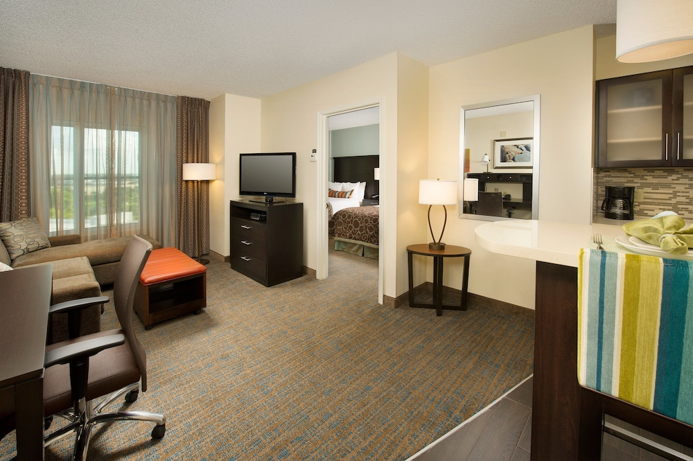 Room, Staybridge Suites Miami Doral Area