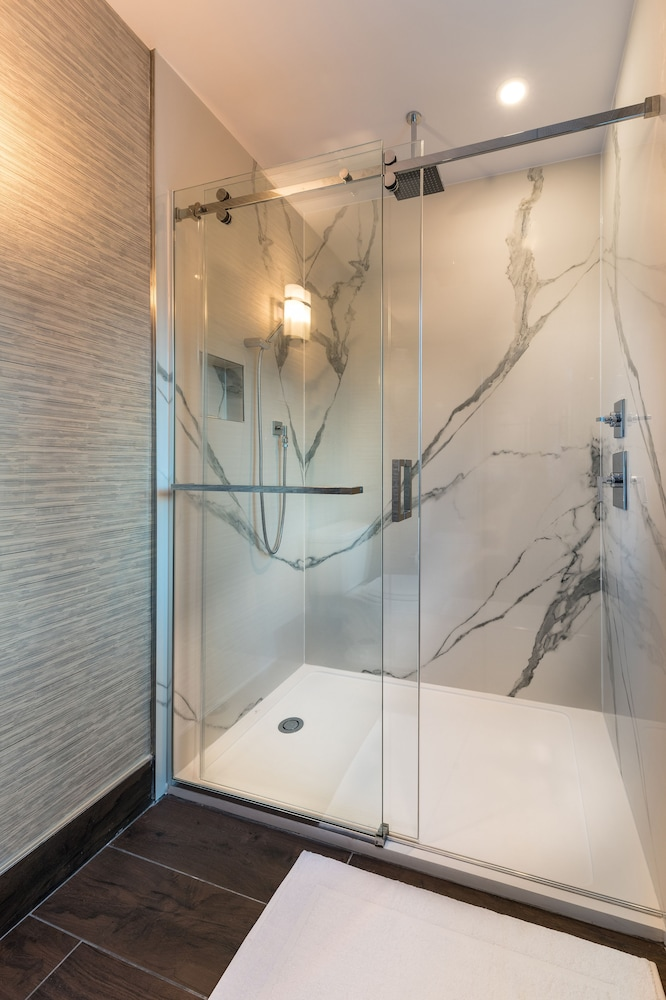 Bathroom, Hyatt Regency Calgary