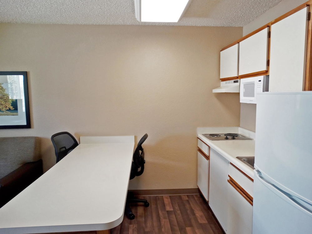 Private Kitchen, Extended Stay America - Secaucus - New York City Area