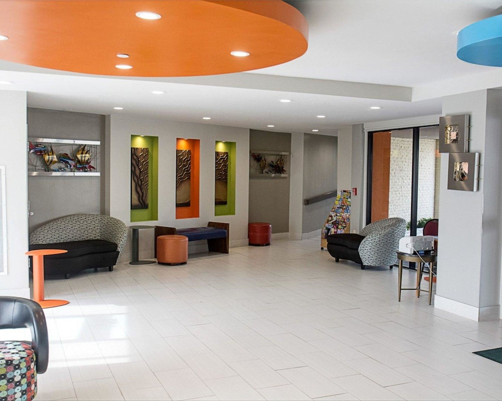 Lobby, Quality Inn & Suites Oceanfront