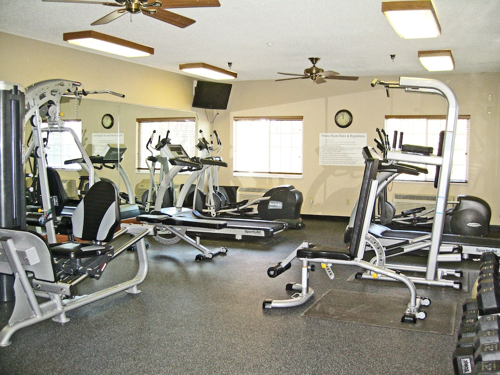 Gym, Savanna Inn & Suites