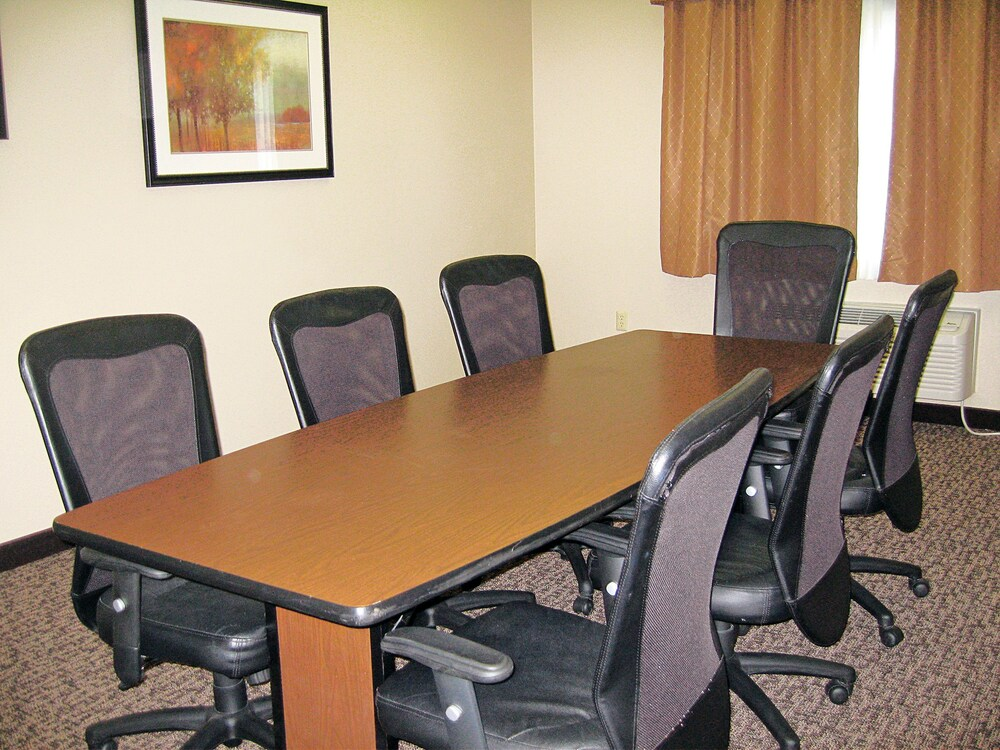 Meeting Facility, Savanna Inn & Suites