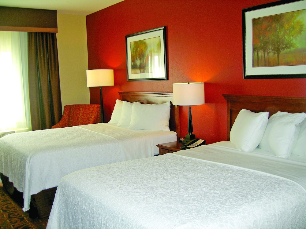 Room, Savanna Inn & Suites