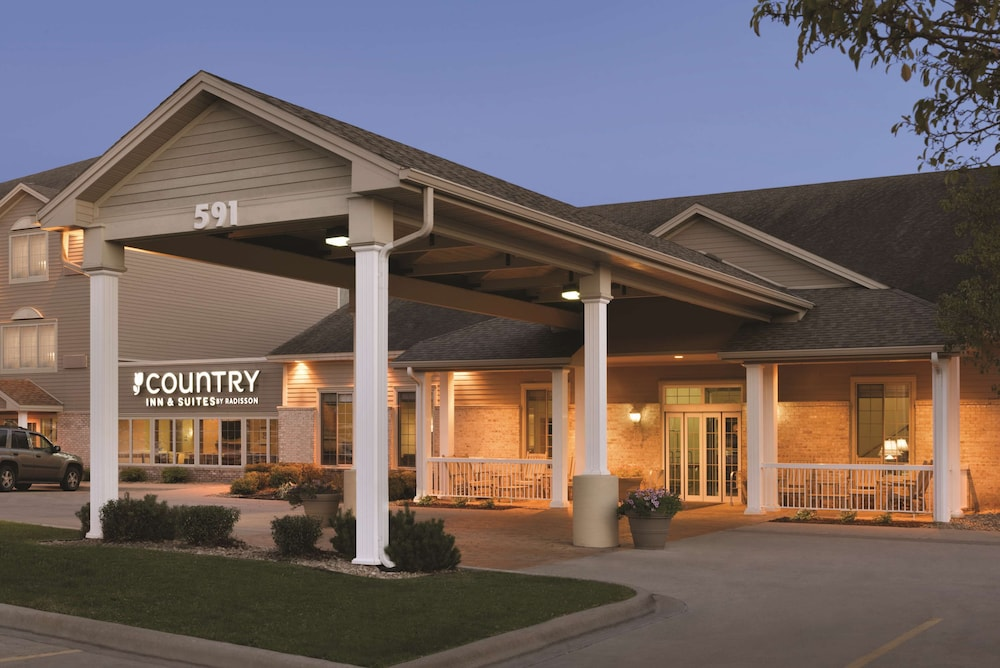Featured Image, Country Inn & Suites by Radisson, Chanhassen, MN