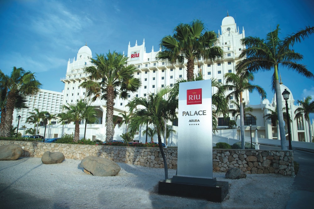 Front of Property, Riu Palace Aruba All Inclusive