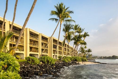 Castle Kona Bali Kai - a Condominium Resort