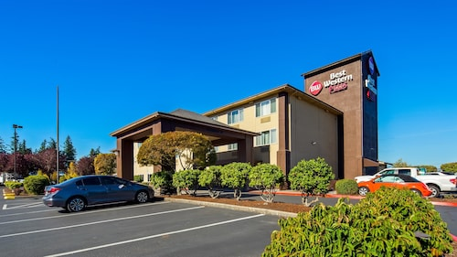 Great Place to stay Best Western Plus Cascade Inn & Suites near Wood Village