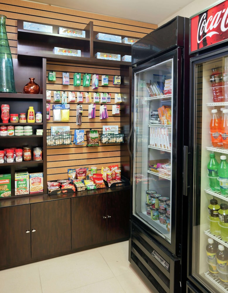 Snack Bar, Homewood Suites by Hilton Boston / Andover