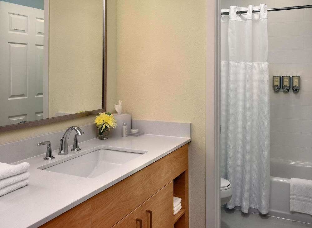 Bathroom, Sonesta ES Suites Charlotte Arrowood