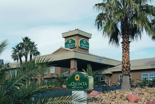 La Quinta Inn & Suites by Wyndham Las Vegas Tropicana