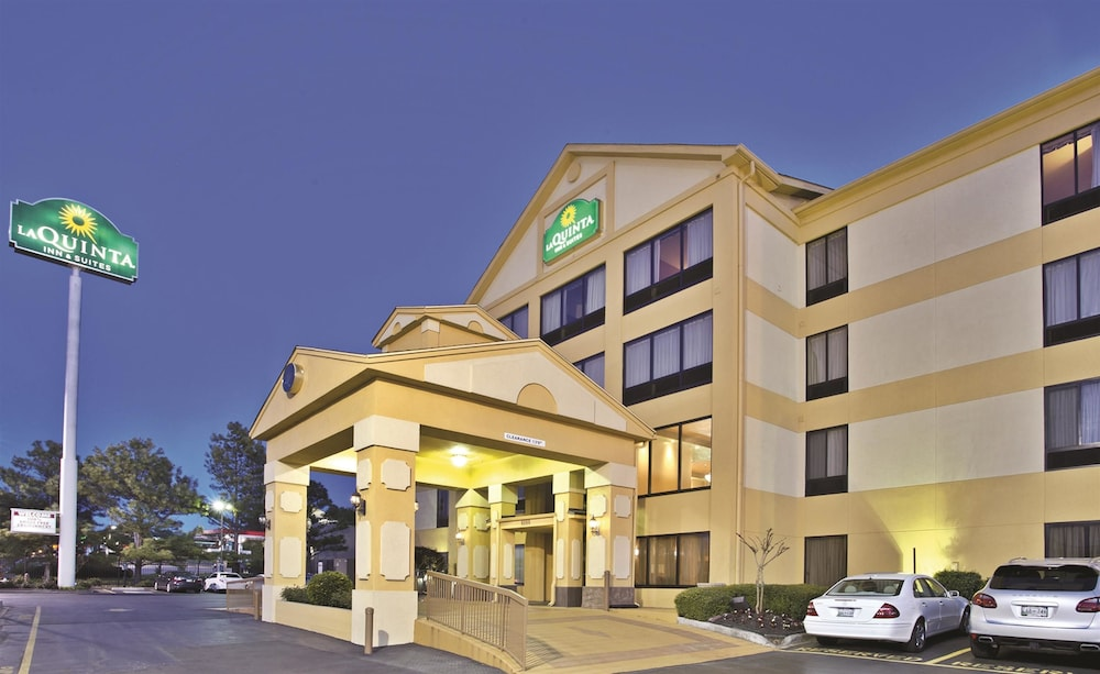 La quinta inn suites memphis east sycamore view in for New hotels in memphis tn
