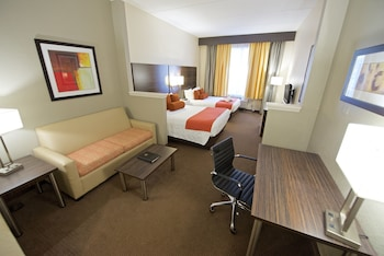 Suite, 2 Queen Beds, Non Smoking, Refrigerator & Microwave - Guestroom
