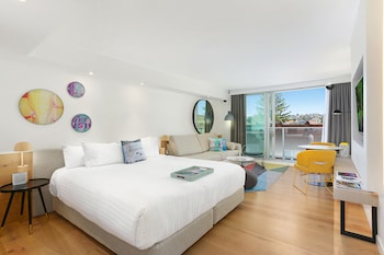 6 Beach Road, Bondi, Sydney, New South Wales, Australia.