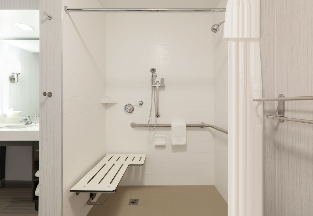 Bathroom, Homewood Suites by Hilton St. Louis-Chesterfield