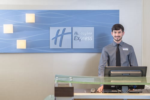 Holiday Inn Express Hotel & Suites Oxford, an IHG Hotel