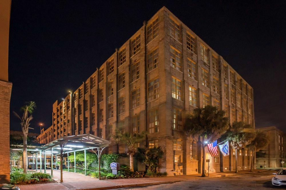 Featured Image, Hampton Inn & Suites New Orleans Convention Center