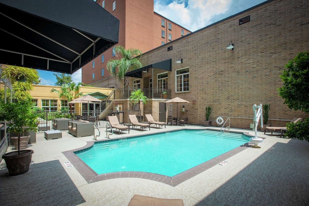 Pool, Hampton Inn & Suites New Orleans Convention Center