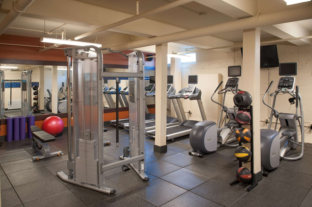Fitness Facility, Hampton Inn & Suites New Orleans Convention Center