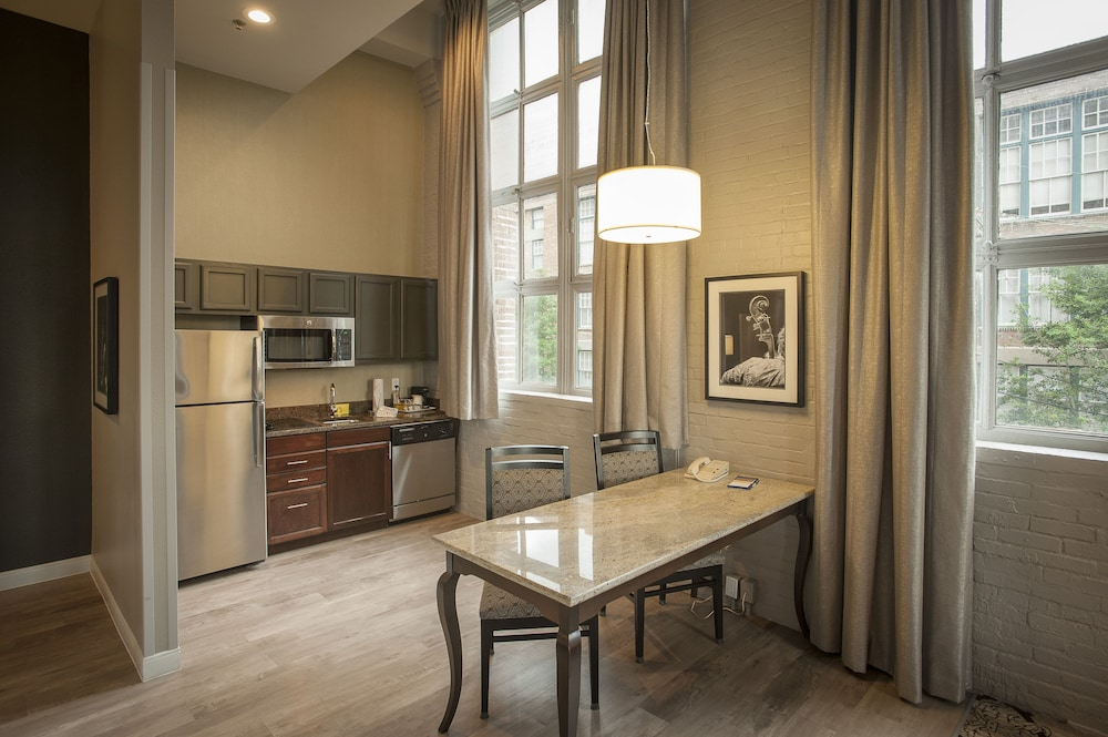 Private Kitchen, Hampton Inn & Suites New Orleans Convention Center